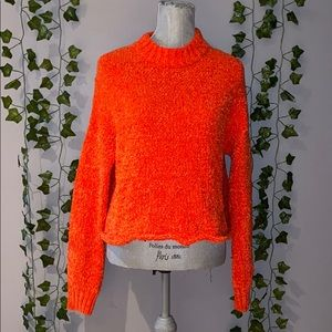 Woman's UO Coral Cropped Sweater M NWOT